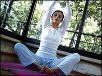 _44412994_yoga203.jpg