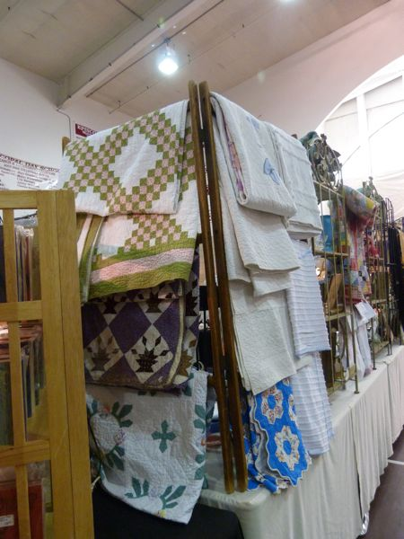 00AntiqueQuilts