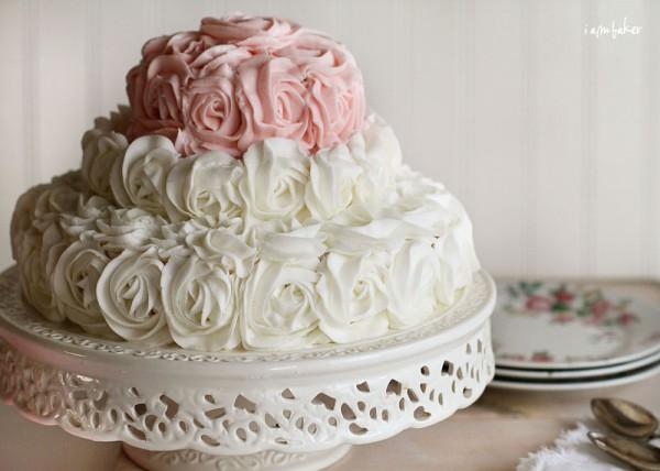 Elegant-Birthday-Cakes-For-Women