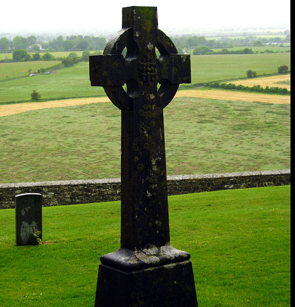 576px-Irish_Cross_at_the_Rock_of_Cashel