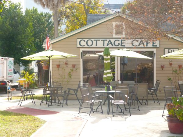 00CottageCafeExterior