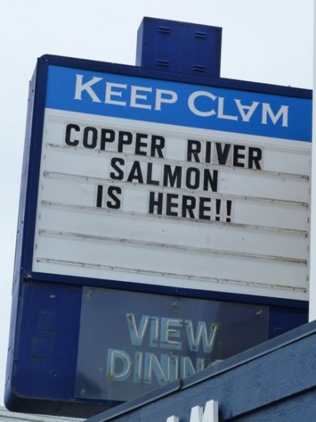 00CopperRiverSalmonSign