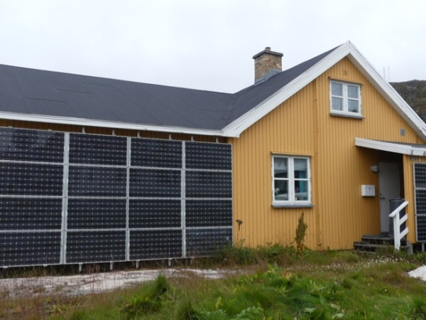 HouseSolarPanels